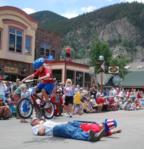 Frisco-parade-bike-jump